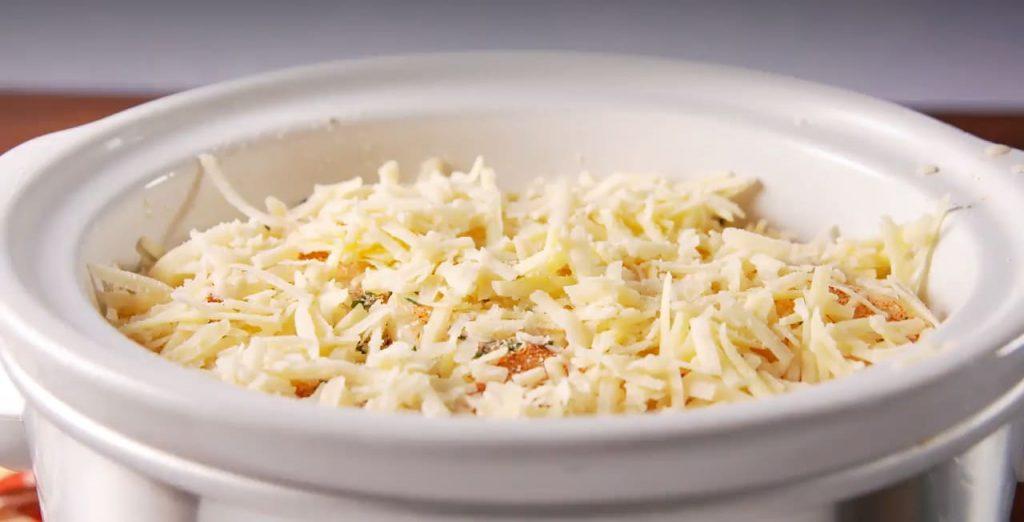 Slow-Cooker Scalloped Potatoes0