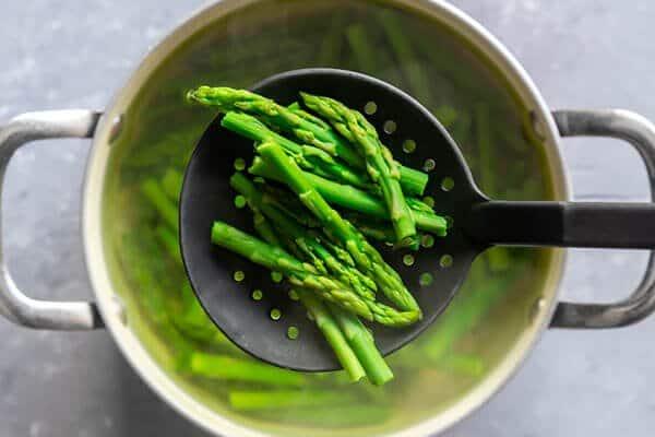 Salade D'asperges, D'œufs